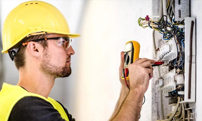 uslugi-elektryczne-elektryk